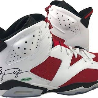 9bb24cc07836 Michael Jordan Signed Air Jordan 6 Retro Basketball Shoes (UDA COA) –  Current sales – Barnebys.com