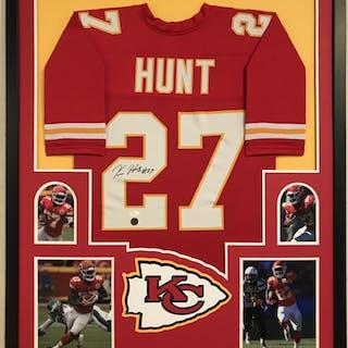 Kareem Hunt Signed Chiefs 34x42 Custom Framed Jersey (JSA COA   Hunt  Hologram) – Current sales – Barnebys.com b009278f6