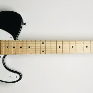 Chuck Berry Signed Sundown Electric Guitar (JSA LOA)