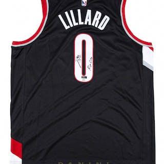 1efbcb74f Damian Lillard Signed LE Portland Trail Blazers Nike Jersey Inscribed –  Current sales – Barnebys.com
