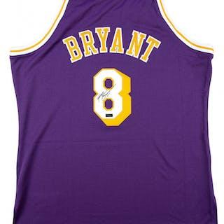 bdd9f604705 Kobe Bryant Signed Mitchell   Ness 1996-97 Purple Los Angeles Lakers –  Current sales – Barnebys.com