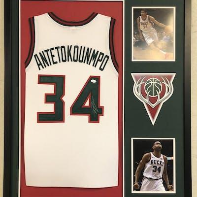 pick up 9f89e 49083 Giannis Antetokounmpo Signed Milwaukee Bucks 34x42 Custom ...