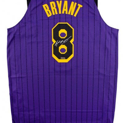 hot sale online 1325e 5b0a3 Kobe Bryant Signed Los Angeles Lakers 2019 City Edition ...