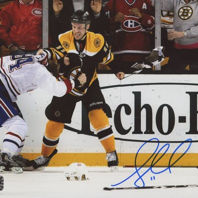 Gregory Campbell Signed Boston Bruins 8x10 Photo (Campbell COA)