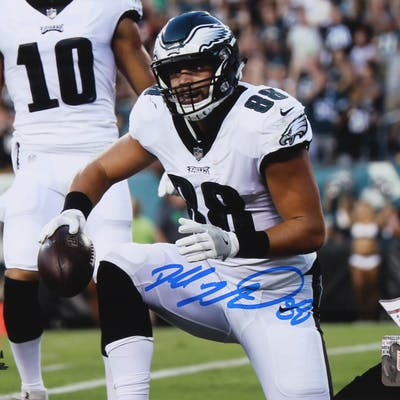 Dallas Goedert Signed 8x10 Philadelphia Eagles Photo (Fanatics Hologram)
