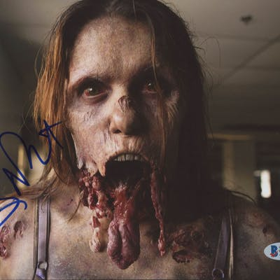 "Greg Nicotero Signed ""The Walking Dead "" 8x10 Photo (Beckett COA)"