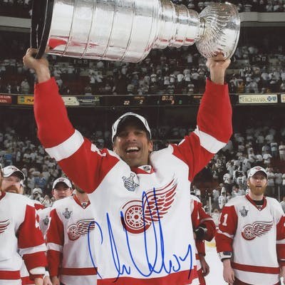Chris Chelios Signed Detroit Red Wings 8x10 Photo (JSA COA)