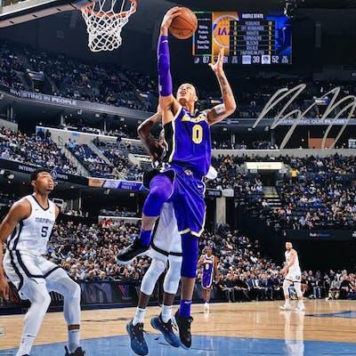 Kyle Kuzma Signed Los Angeles Lakers 16x20 Photo (Fanatics Hologram)