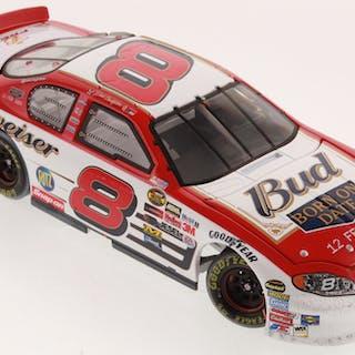 Dale Earnhardt Jr. LE NASCAR 2004 Monte Carlo 1:24 Die-Cast Car