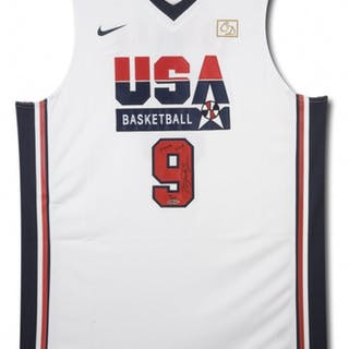 f8112ff2371aaa 沒多長時間了! Michael Jordan Signed LE Team USA Nike ...