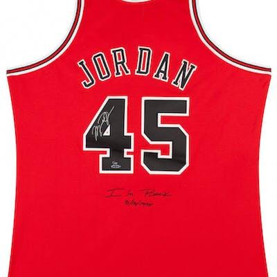 los angeles cdd5f ebe69 Michael Jordan Signed Chicago Bulls Limited Edition Jerey ...