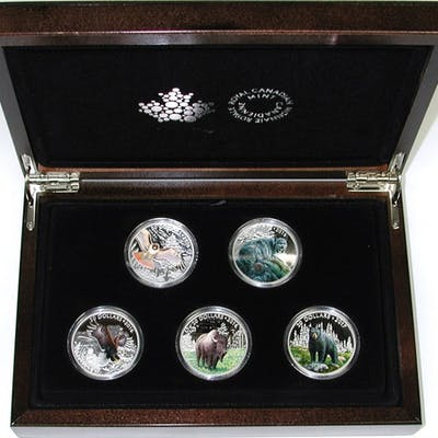 CANADA - 2016/2017 ICONIC ANIMALS FIVE (5) $20 COIN SET in WOOD BOX