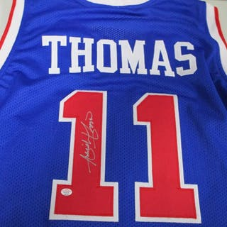 640f3bce0 Isiah Thomas of the Detroit Pistons signed autographed blue basketball –  Current sales – Barnebys.com