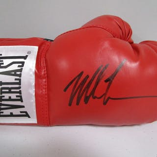 cd9e6d606a5 Mike Tyson boxing signed autographed red Everlast boxing glove JSA COA 737  – Current sales – Barnebys.com