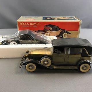 Group of 2 Car shaped radios