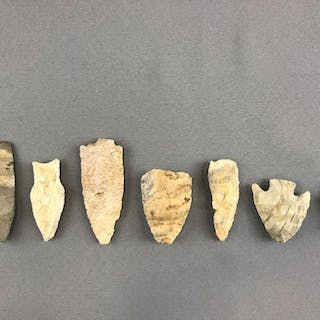 Group of 7 Native American Arrowheads