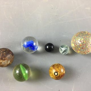 Group of 6 Vintage Marbles