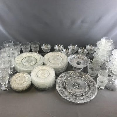 Group of Early American Pattern glass set