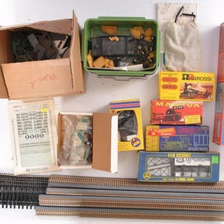 Group of Miscellaneous HO Gauge Model Train Accessories