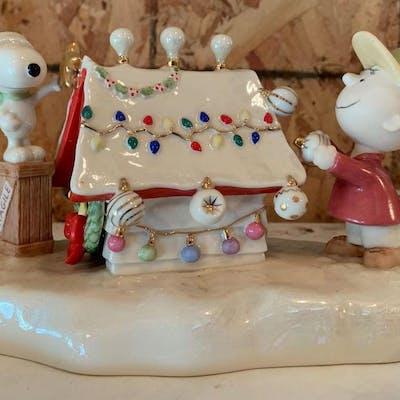 Snoopys Christmas.Lenox 2006 Peanuts Snoopys Christmas Celebration Porcelain