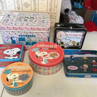 Peanuts tins, lunch box and more