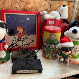 Group of miscellaneous peanuts items