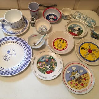 Group of Peanuts Miscellaneous Plates and Cups