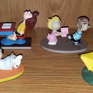 Lot of 6 Danbury Mint Peanuts Snoopy Collectibles