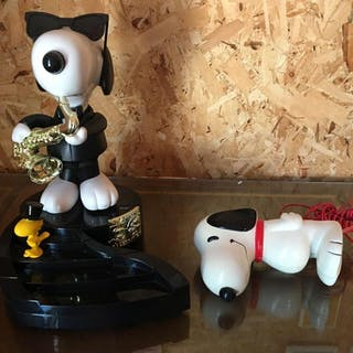 Group of 2 Snoopy Telephones