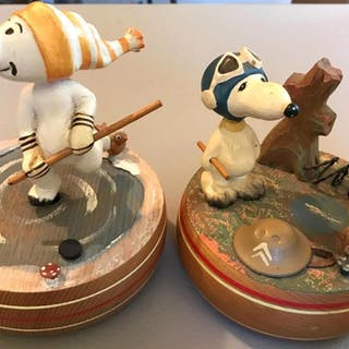 Group of 2 Vintage ANRI Snoopy Peanuts Music boxes