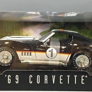 Hot Wheels 13th Annual Collectors Convention 69 Corvette Die-Cast