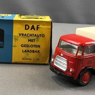 DAF Vrachtauto no 23 Lion Car die cast vehicle in original box