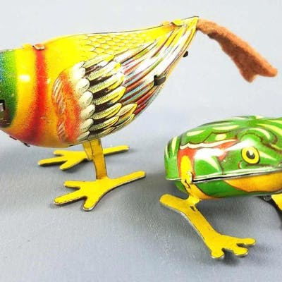 Geoup of 2 Germany Tin Litho Wind-up Bird & Frog Hoppers.