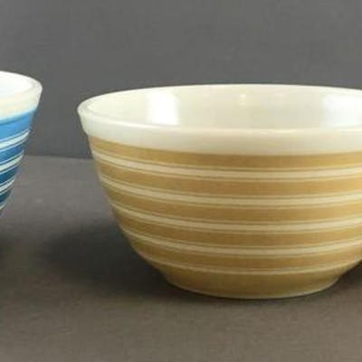 Group of 3 Vintage Stacking Striped Pyrex Nesting Bowls