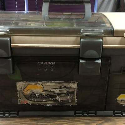 Plano Guide Series Fishing Tackle Box