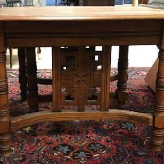 Antique Ash Expandable Table