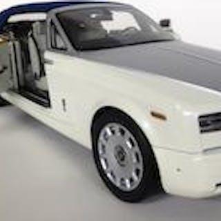 A boxed 1:12 scale die-cast model of a Rolls-Royce Phantom Drophead