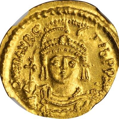 MAURICE TIBERIUS, 582-602. AV Solidus (4.43 gms), Constantinople or