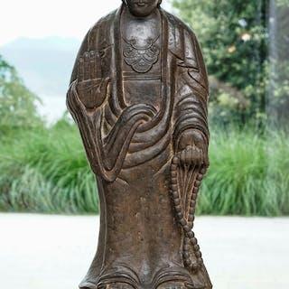 Guanyin, sculpture en pierre dure, Chine, h. 108 cm