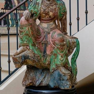 Guanyin, sculpture en bois avec rehauts de polychromie, Chine, XXe
