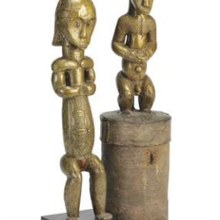 Guardian figures and reliquary