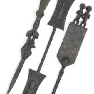 Three staffs of carved patinated wood. Luba style. L. 79–150 cm. (3)