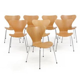"Arne Jacobsen: ""Seven Chair"""
