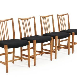 Hans J. Wegner: Four oak side chairs with carvings