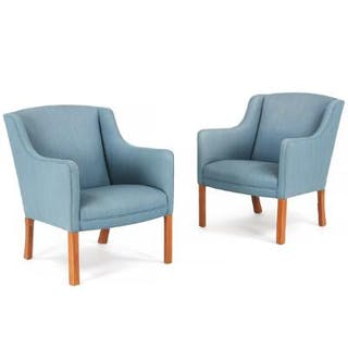 Børge Mogensen: A pair of easy chairs with legs of beech