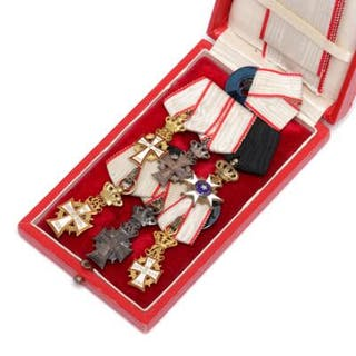 Miniature medals in gold and silver