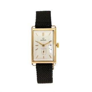 Omega: A gentleman's wristwatch of 14k gold