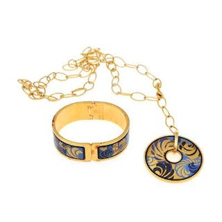 Frey Willie: A gilded metal jewellery collection a bangle