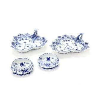 """""""Blue Fluted Full Lace"""" ash trays and cake dishes of porcelain"""