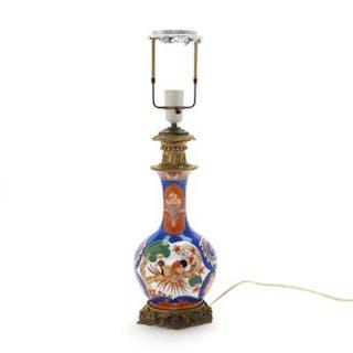 A 20th century Japanese Imari porcelain table lamp